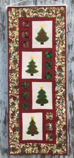 Christmas tree tabblerunner or wall hanging