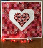 Wall quilt with Valentine heart embroidery