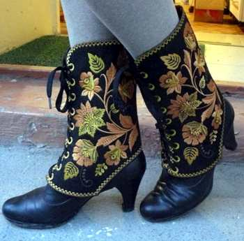 Embroidered Gaiters-in-the-Hoop (ITH)