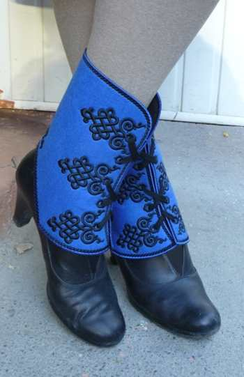 Celtic Gaiters-in-the-Hoop (ITH)