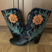 Flower Gaiters-in-the-Hoop