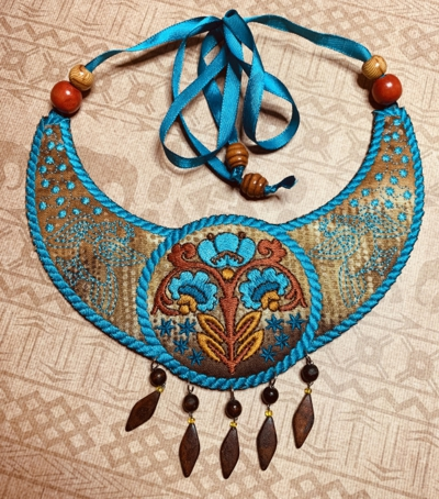 Folk Art Gorget Necklace In-the-Hoop (ITH)