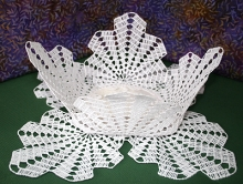 FSL Crochet Palm Leaf Vase with Attached Doily