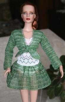 Summer Outfit for Tonner 16-in Dolls