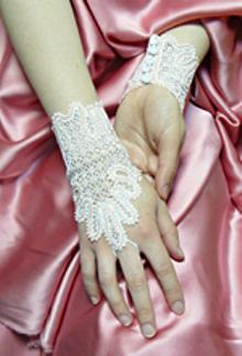 FSL Battenberg Bridal Fingerless Lace Gloves II