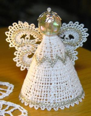 FSL Battenberg Lace Miniature  Angel