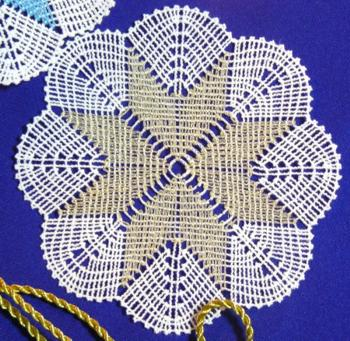 FSL Battenberg Star of Bethlehem Doily