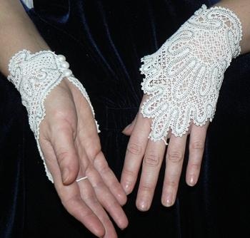 FSL Battenberg Bridal Fingerless Lace Gloves III