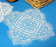 FSL Bobbin Lace Fans and Diamonds Doily