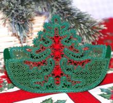 FSL Battenberg Christmas Tree Vase