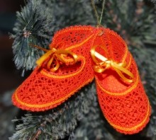 FSL Battenberg Lace Shoes Ornament