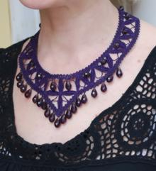 FSL necklace embroidery design