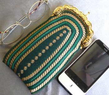 Vintage-Style Purse in-the-Hoop