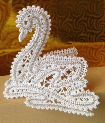 Freestanding Battenberg Lace Swan Ornament
