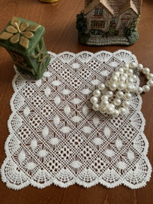 Freestanding Bobbin Lace Scalloped Doily