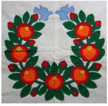 Baltimore Quilt: Poppy Garland Applique