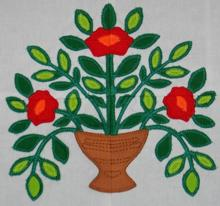 Baltimore Quilt: Vase of Poppies Applique