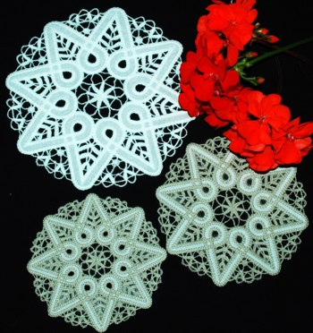 FSL Applique Christmas Star Doily