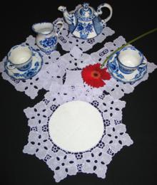 FSL Hibiscus Table Set