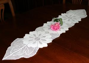 Dahlia FSL Crochet Table Runner