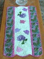 Quilt projects with machine embroidery image 86