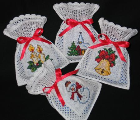 Free Crochet Patterns For Christmas Gift Bags : Crochet Christmas Gift Bags - Advanced Embroidery Designs