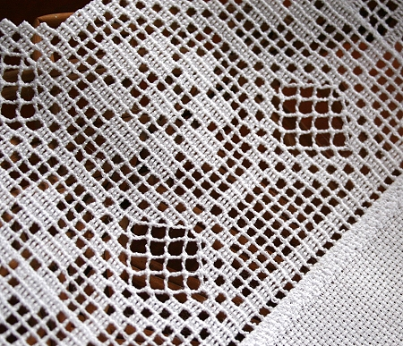 Crochet Lace Patterns Step By Step : Doily with Geometric Crochet Border Lace - Advanced ...