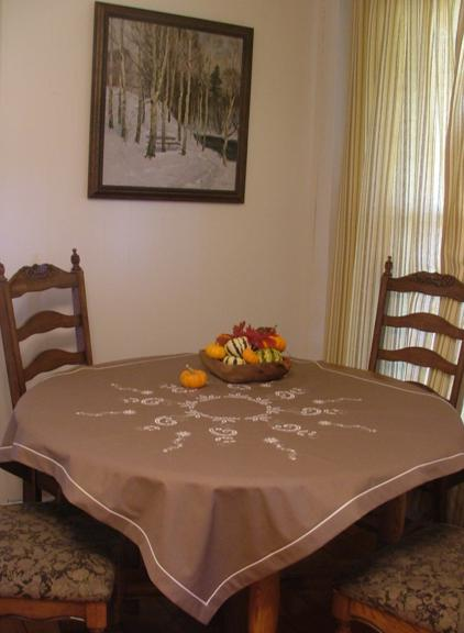 Taupe_tablecloth1