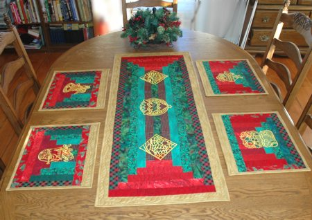 Christmas Table Runner And Place Mats Advanced