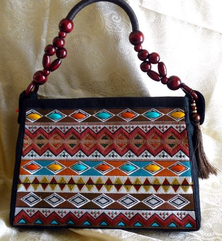 Hand Bag With East African Motif - Advanced Embroidery Designs