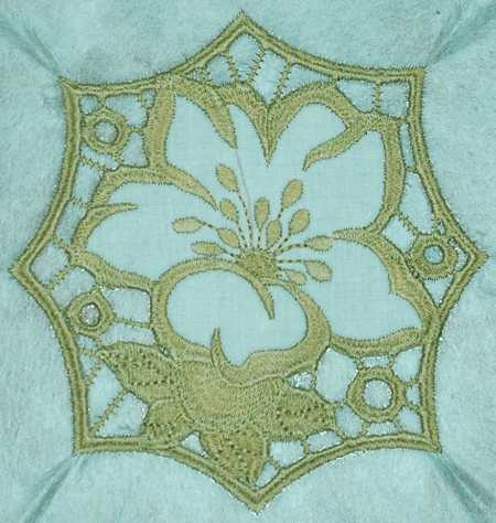 Cutwork Lace Flowerfree Design July 2014 Advanced