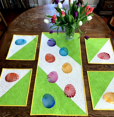 Happy Easter Table Set
