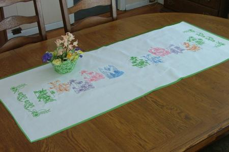 Bunny  table Runner PatternMart.com Table runner embroidery Pattern Easter ::. PatternMart: patterns