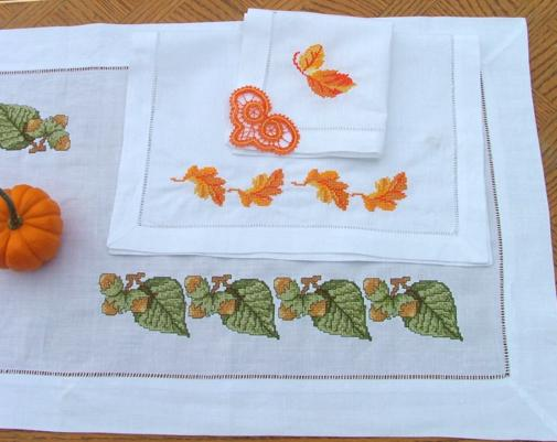 Advanced Embroidery Designs - Autumn Leaves Set.