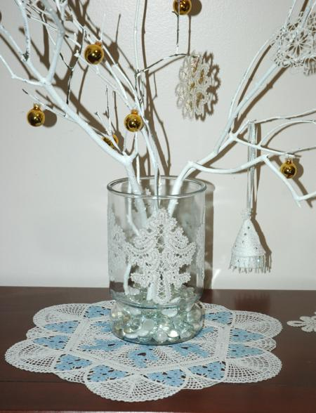 Glass Vase Decorated with Lace  Advanced Embroidery Designs ~ 164652_Christmas Decorating Ideas With Glass Vases